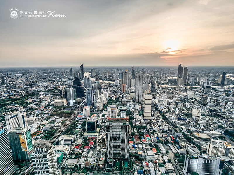mahanakhon-skyWalk-19
