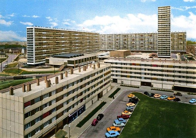 93 La barre Robespierre , emblématique de la cité des 4000 à La Courneuve sera bientôt démolie.