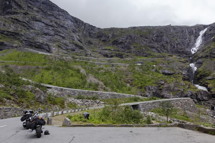 Norja Noway Norwegian roadtrip Trollstiegen moottoripyörä jyrkkyys jyrkkä vesiputous Harley Davidson sportster softail chopper moottoripyörällä norjassa_