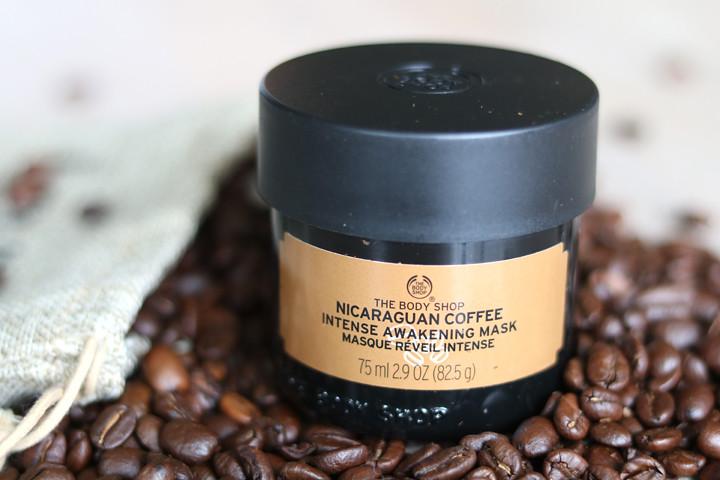 Energieboost voor je huid met het koffiemasker van The Body Shop