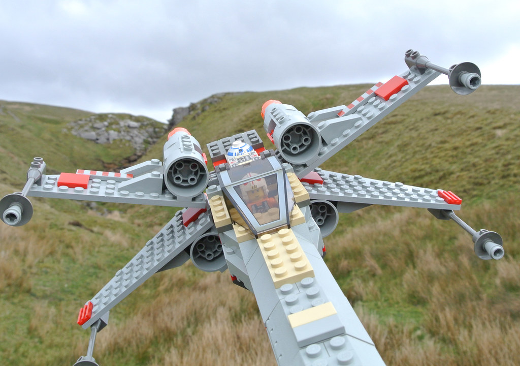 Lego Star Wars 7140 X Wing Fighter Review Brickset Lego Set Guide