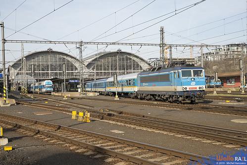 362 033  . ČD . Ex 352 . Praha hl.n . 30.03.19.