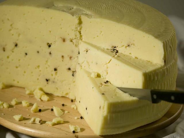 formaggio al pepe nero contaminato