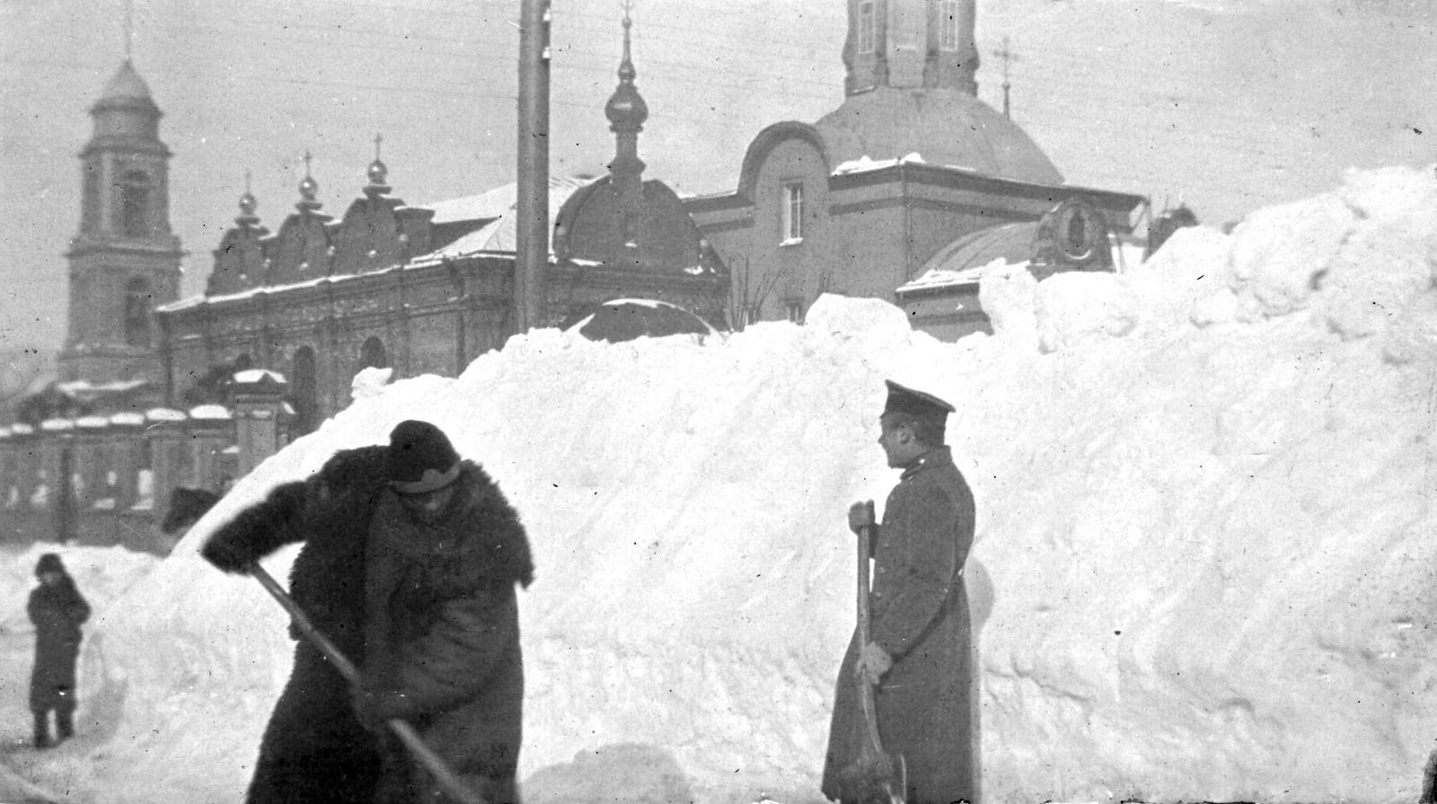 1-я Мещанская улица. Церковь Троицы на Капельках. 1905