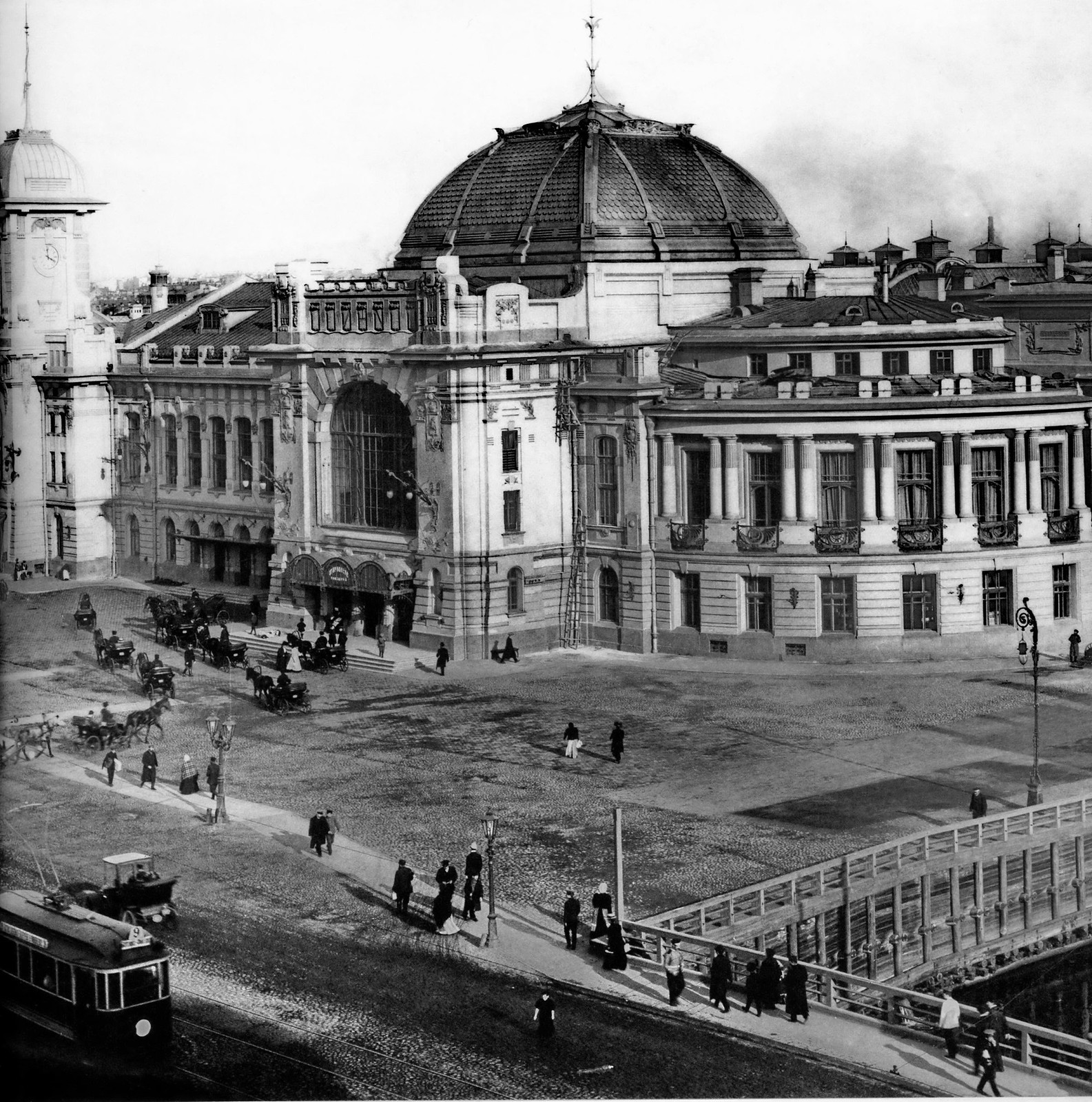Введенская площадь. Вид на Царскосельский вокзал. 1910