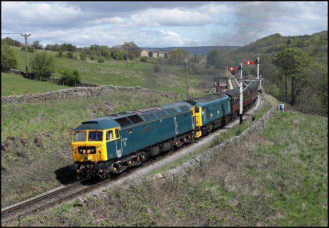 Damems Loop, KWVR GBRf 47727 'Edinburgh Castle' & 25059 (12.20 Keighley  - Oxenhope) 04/05/19.