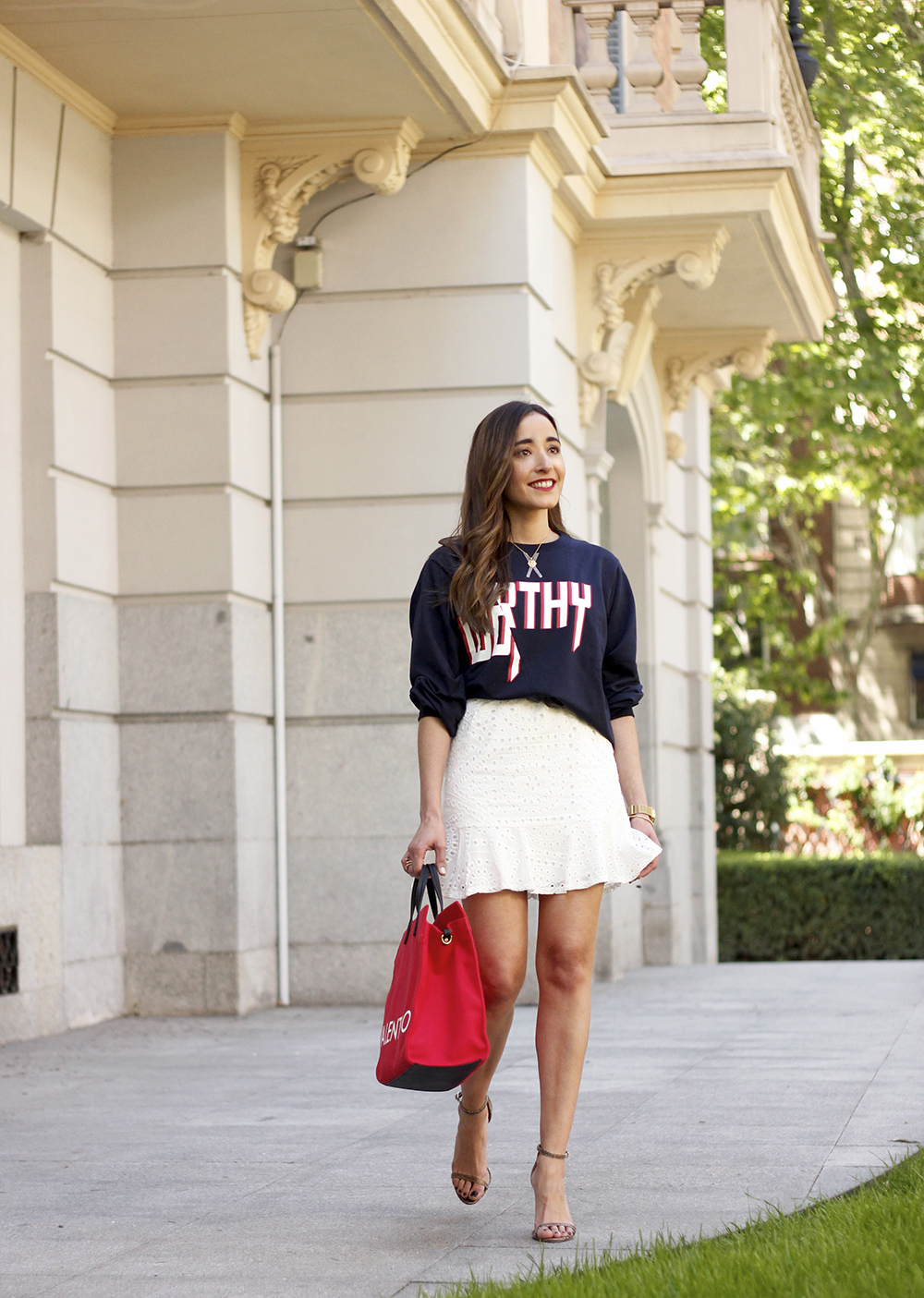 white skirt sweatshirt high heels valentinohandbags street style spring outfit5
