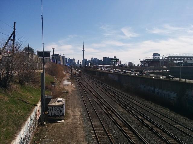Skyline looking east, Dufferin Loop #toronto #dufferinloop #tracks #gardinerexpressway #skyline #spring