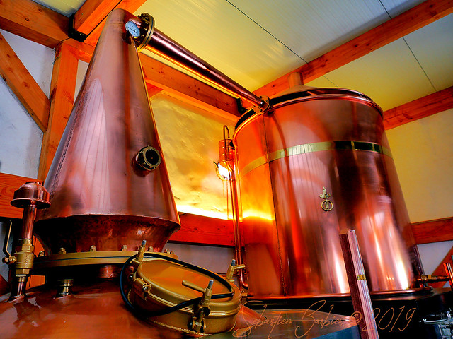 Distillerie Straw Bale 47730619291_6a7fb6bfd0_z