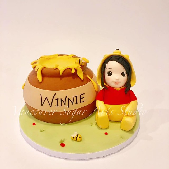 Winnie the Pooh Theme Cake by Vancouver Sugar Arts