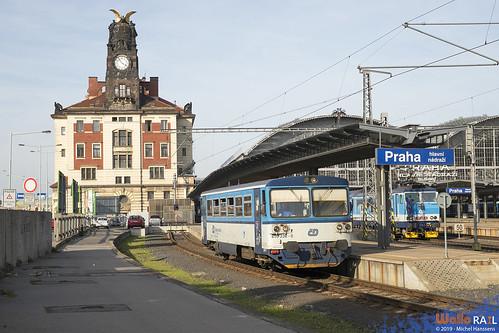 810 036 . ČD . Os 25920 . Praha hl.n . 30.03.19 .