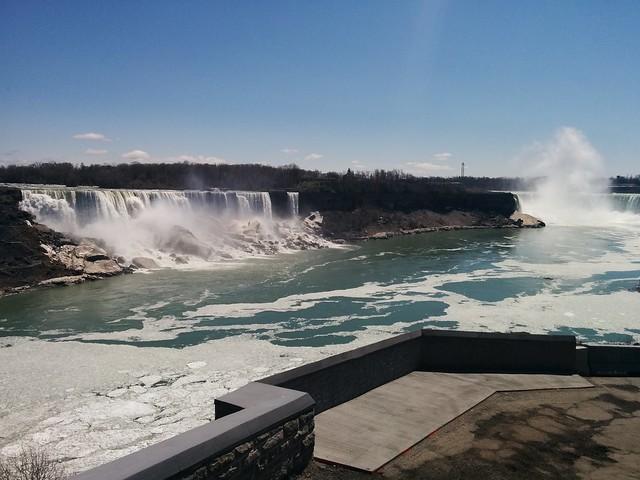 American and Horseshoe Falls #niagarafalls #americanfalls #horseshoefalls #niagarariver #spring #blue #sky