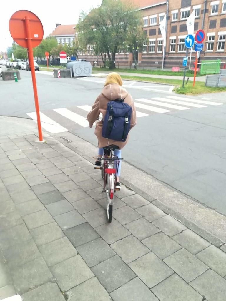 Yendo a la universidad en bici