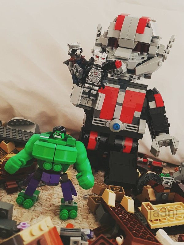Avengers: Giant Man, Hulk, Rocket and War Machine