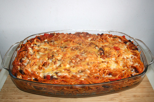 Baked spaghetti with bell pepper & kidney beans - Finished baking / Gebackene Spaghetti mit Paprika & Kidneybohnen - Fertig gebacken