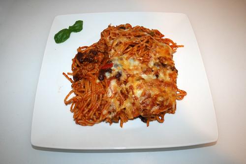 Baked spaghetti with bell pepper & kidney beans - Served / Gebackene Spaghetti mit Paprika & Kidneybohnen - Serviert