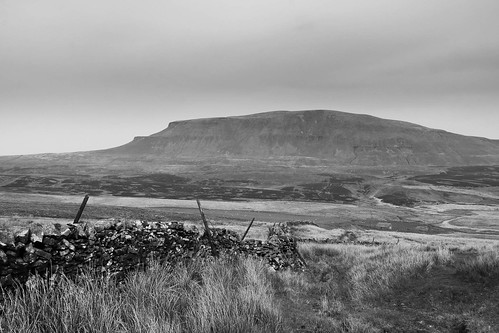 Pen-y-Gent Mono | by johnkaysleftleg