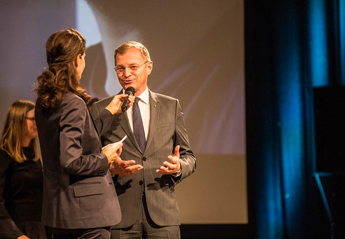 CE19 - Award Ceremony // Moderator Karin Schmid, Thomas Stelzer (Governor) // photo © Christoph Thorwartl / subtext.at