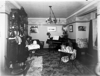 The Ferrier's living room / Salon des Ferrier