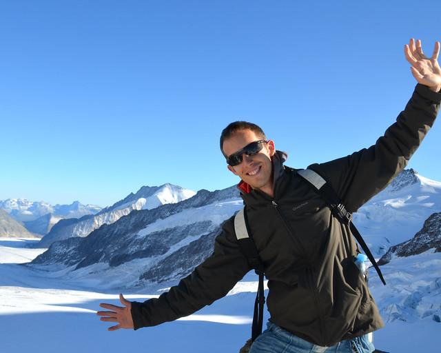 Diario de un Meniroso frente al glaciar Aletsch en Suiza