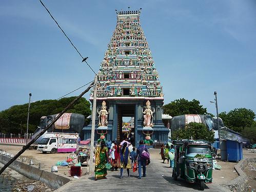 Šrí Lanka: Pijákem palmového vína na tamilském ostrově Nainativu