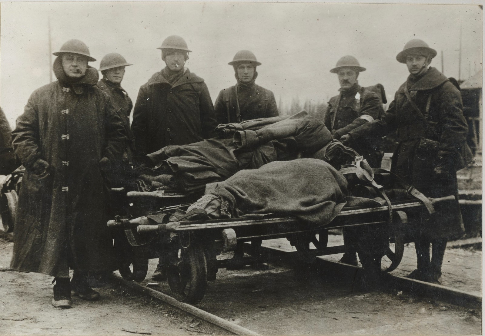 Перевозка раненых большевиков