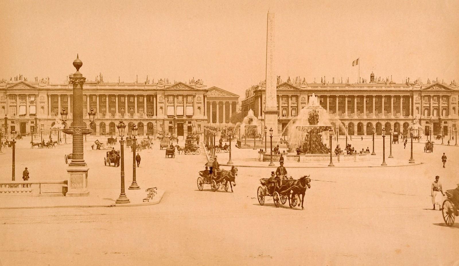1870. Площадь Согласия в Париже с египетским обелиском и церковью Мадлен