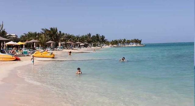 5119 10 Best Public and Private Beaches in Saudi Arabia 10