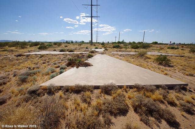 Giant Concrete X