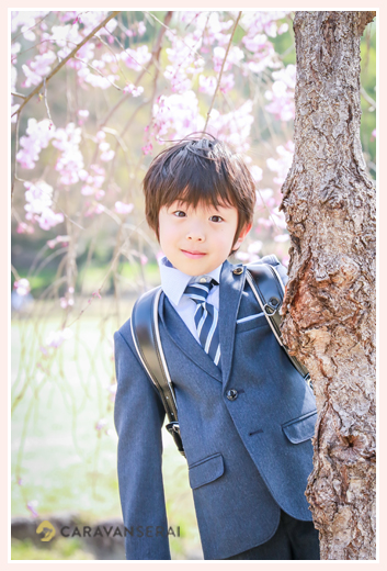 新小学1年生の男の子 フォーマル スーツ姿