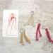 La Boutique Extraordinaire - Diana Brennan - Boucles d'oreilles fil de métal et perles de verre - 60 €