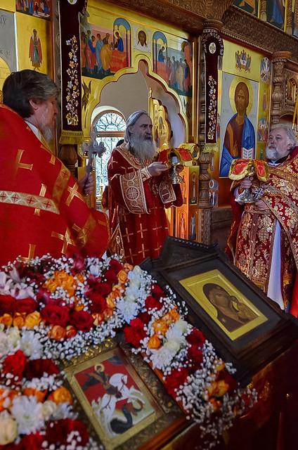 Архиепископ Каширский Феогност возглавил торжества в честь 25-летия Патриаршего подворья вмч. Георгия Победоносца в Семхозе