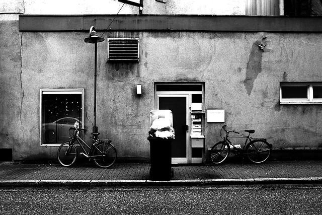 Too much trash (Leica M6)