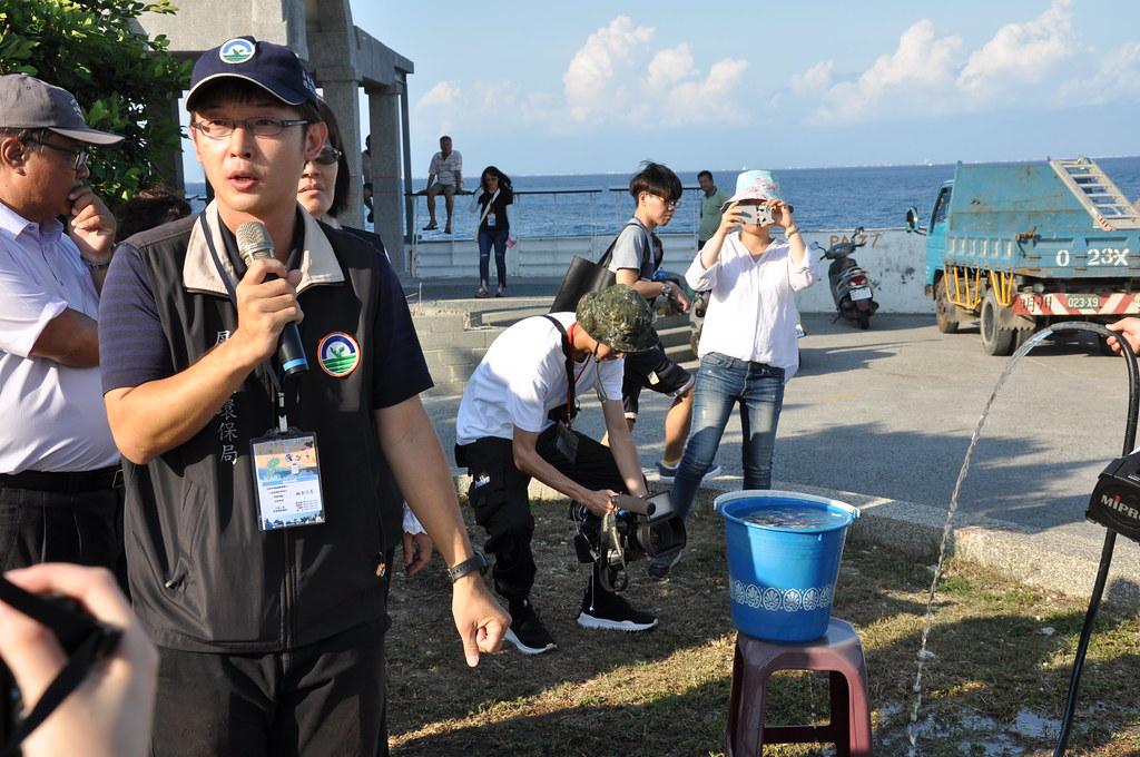 å屏東縣環保局科長王奕軒指出,經過濾後的放流水可大幅減低污染物。孫文臨攝