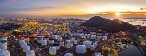 oil sky refinery laem chabang thailand business background landscape factory night tower beautiful industrial blue gas chonburi plant technology view metal environment power energy construction industry sunset smoke engineering tube fuel supply chemical chemistry twilight pipe tank manufacturing pipeline petroleum petrochemical illustration area nature beauty port color logistic light water