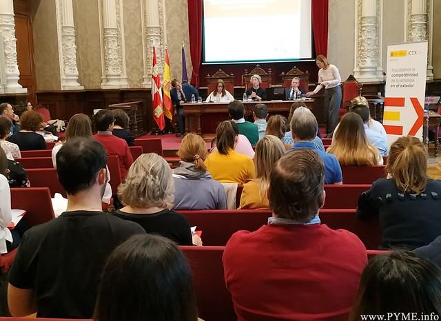 Empresarios asistentes a la jornada sobre Exportación organizada por ICEX en la Diputación de Palencia.