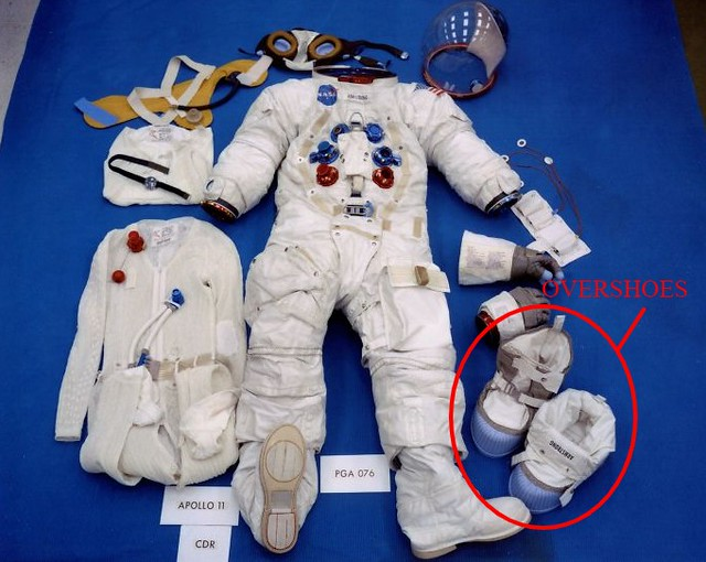 The Moon Shoes Print Neil Armstrong Wore On The Moon Don't Match