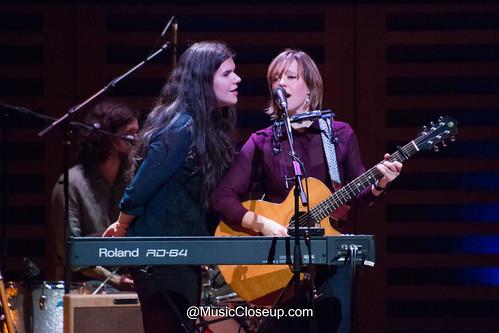 Michele Stodart and Emily Barker -3855 | by MusicCloseup