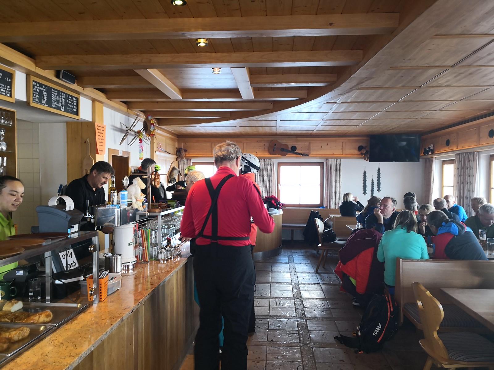 Inside Punsch Hütte