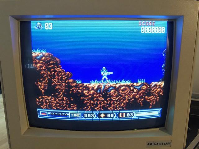 VDS Amiga 1200 + systeme Gotek 16 Gb, Ecran Amiga M1438S X68000 47763055841_2912f051da_z
