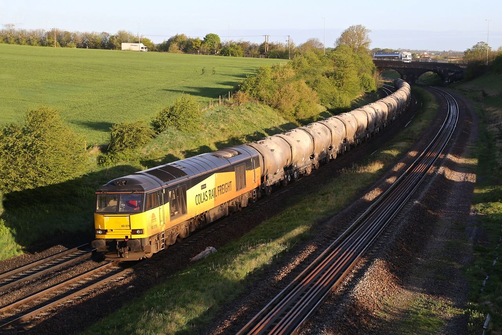 60076 at Irchester by Steve Madden