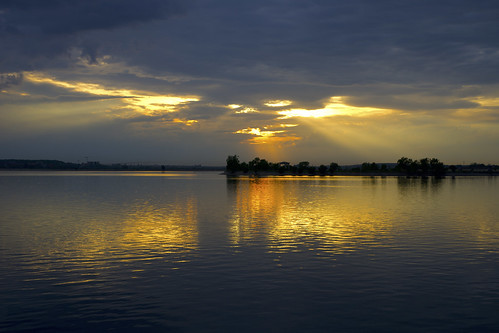noapte seara night nightfall view water island lacul morii lake lac nori clouds crangasi dimbovita bucuresti bucharest romania sony alpha sigma art park parc insula sunset apus