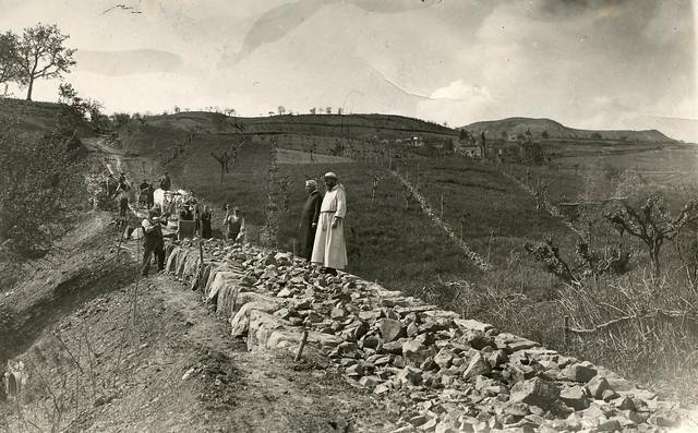 Anno 1935-Costruzione della strada di San Martino a Monte in Casentino