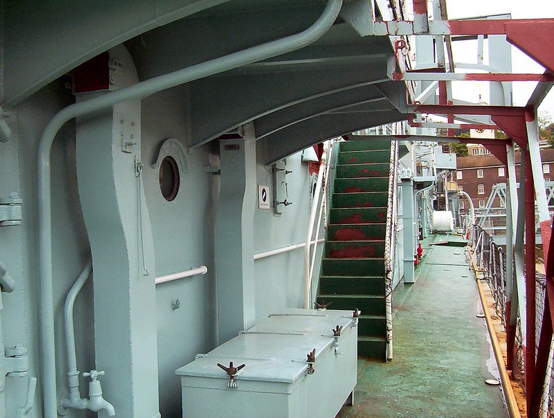 HMS Cavalier 00012