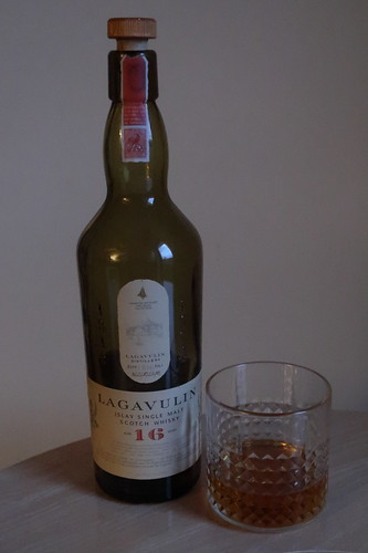 Lagavulin (Islay Single Malt Scotch Whisky, 16 Jahre)