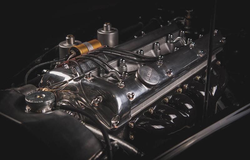 21f9f775-1954-jaguar-xk120-restored-for-david-gandy-26