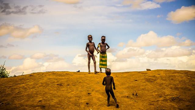 Ethiopia, niños en el poblado Dassenech