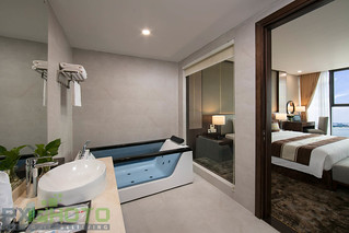 Suite (6)-bathroom