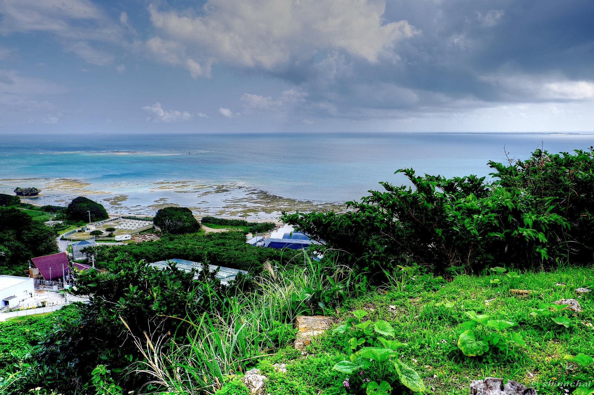 xf18-55mm f2.8-4 r lm ois 作例 レビュー 沖縄 草原と海