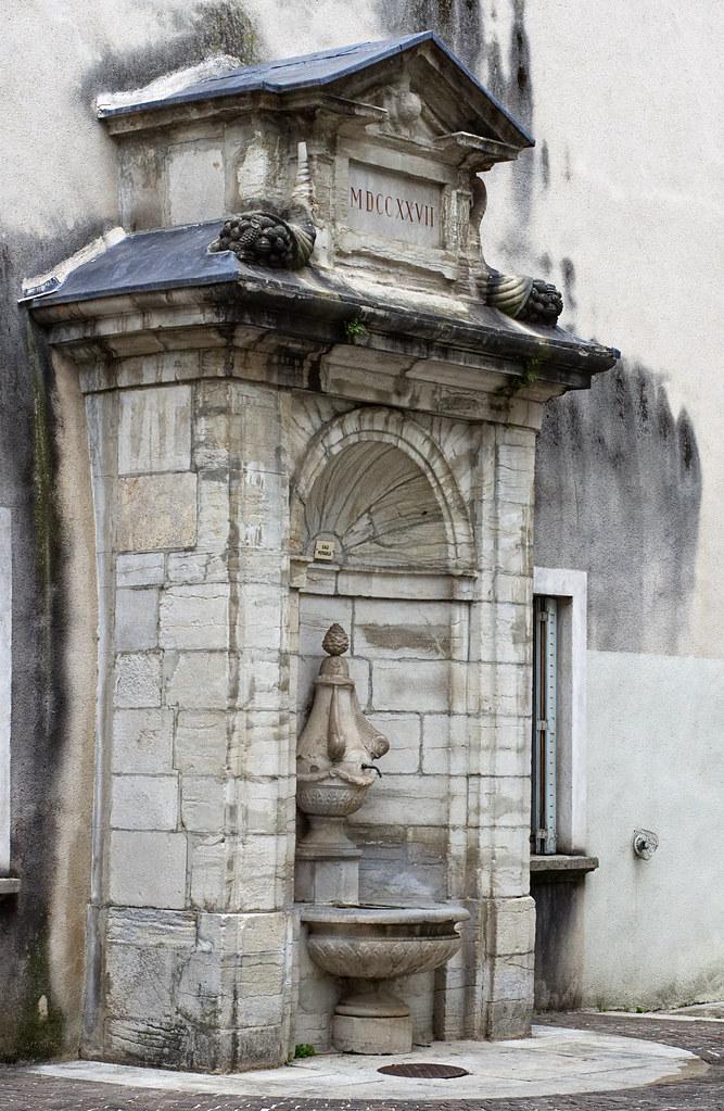 Fontaines de France et d'ailleurs - Page 4 47771440252_f6b3da4322_b